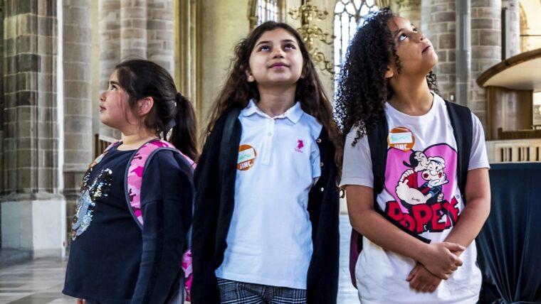 Kinderen tijdens een TaalTrip in Rotterdam.